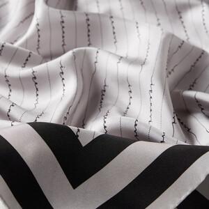 - Çizgili Signature Gümüş Siyah Tivil İpek Eşarp (1)
