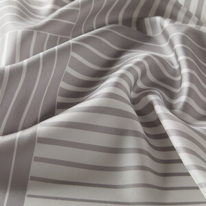 ipekevi - Gümüş Beyaz Tarama Desenli Tivil İpek Eşarp (1)