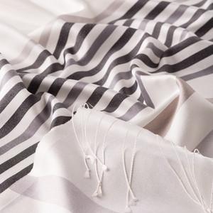 İnci Beyazı İnce Meridyen Çizgili İpek Şal - Thumbnail