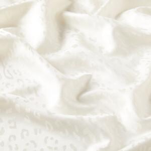 ipekevi - İnci Beyazı Leopar Jakar Desenli İpek Şal (1)