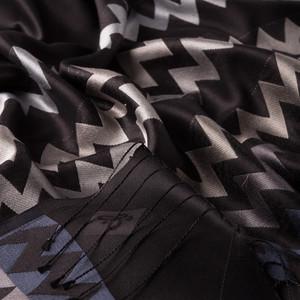 - Siyah Gümüş Zig Zag Desenli İpek Şal (1)