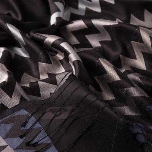 Siyah Gümüş Zig Zag Desenli İpek Şal