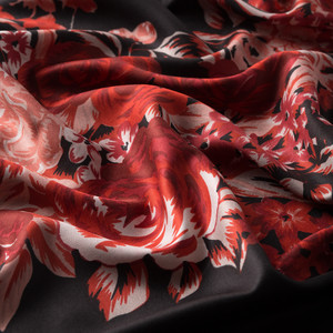 Siyah Kırmızı Saray Bahçesi Desenli İpek Şal - Thumbnail