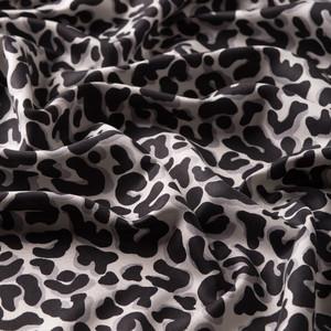 Siyah Leopar Desenli İpek Şal - Thumbnail