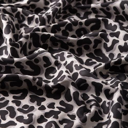 Siyah Leopar Desenli İpek Şal