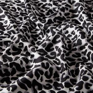 ipekevi - Siyah Leopar Desenli Tivil İpek Eşarp (1)