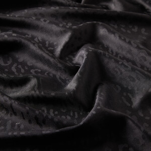 - Siyah Leopar Jakar Desenli İpek Şal (1)