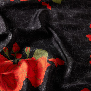 Siyah Sakura Monogram Desenli Tivil İpek Eşarp - Thumbnail